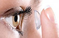 Контактные линзы желательно подбирать персонально, ориентируясь на особенности зрения.