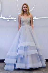 Васильковое свадебное платье