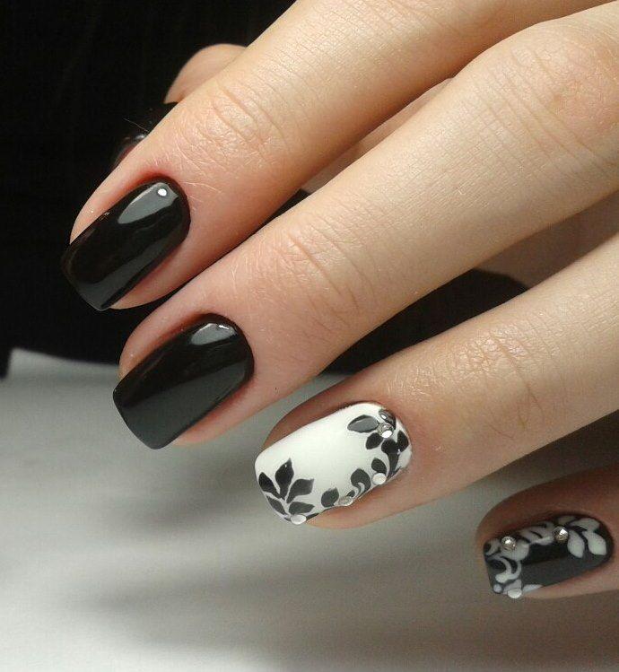 Черно-белый маникюр