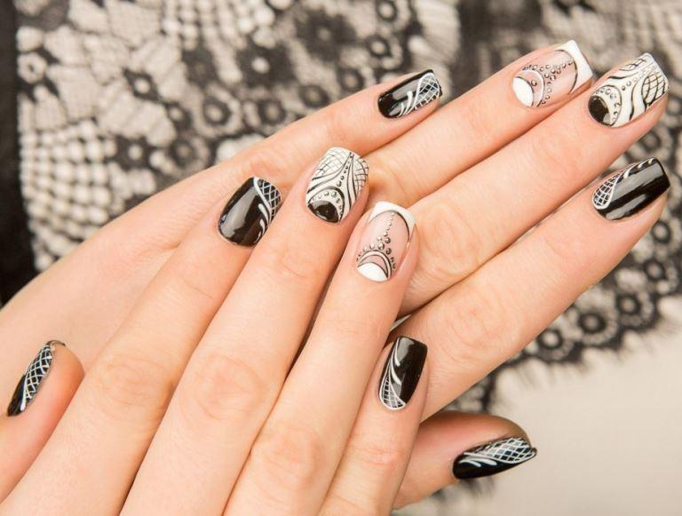 Рисунки на ногтях чёрным лаком фото
