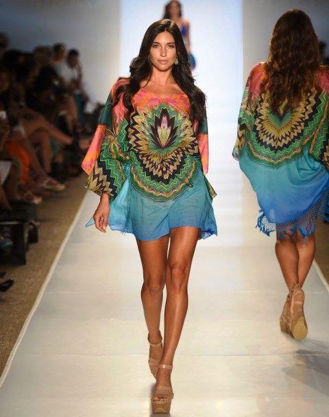 Пляжные платья: фасоны 2015