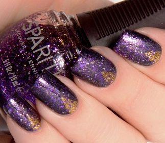 фиолетовый маникюр в космическом стиле