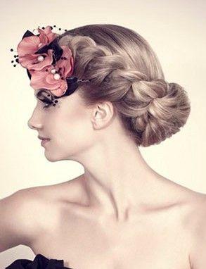 Аксессуары для волос: цветы