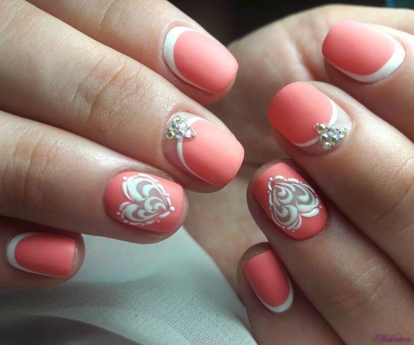 Лунный маникюр на короткие ногти