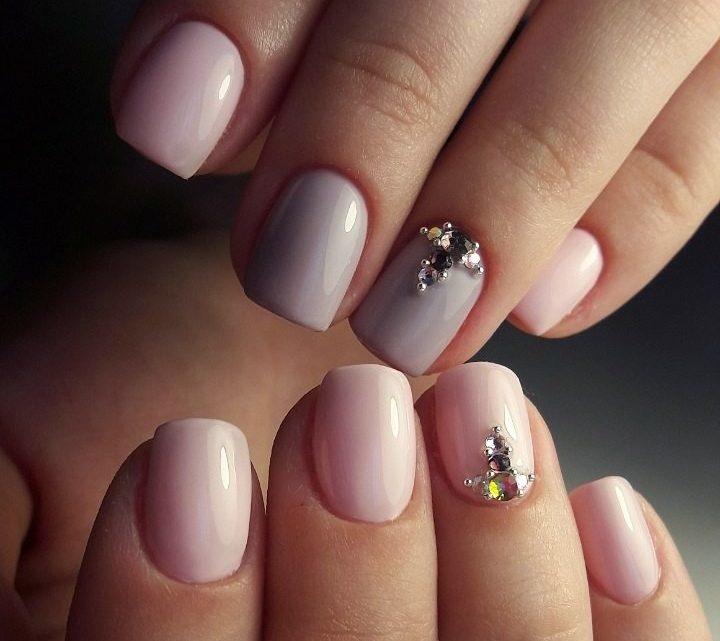 Маникюр на короткие ногти: естественные, светлые и бежевые оттенки (фото)