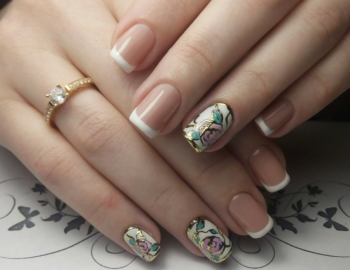 Маникюр на короткие ногти: литье (фото)