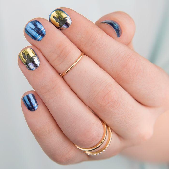 Фото маникюра на короткие ногти с фольгой