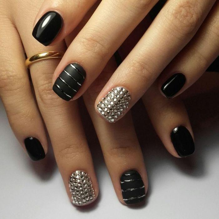 Фото маникюра черным гель лаком на короткие ногти