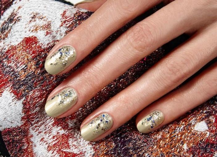 Френч на ногтях золото и серебро 92