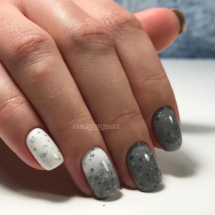 Ногти серым гель-лаком