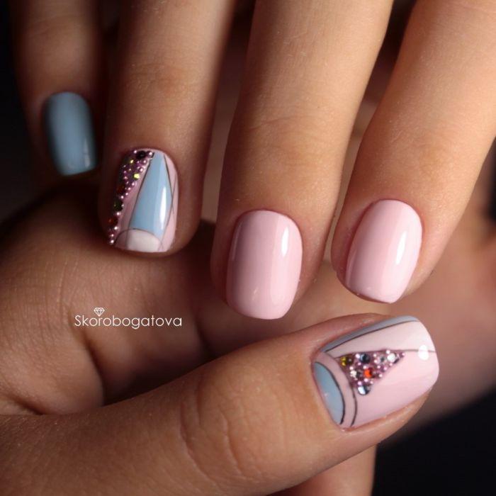 Розовый гель-лак на ногтях