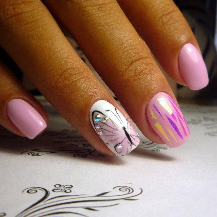 Рисуем красивые бабочки на ногтях