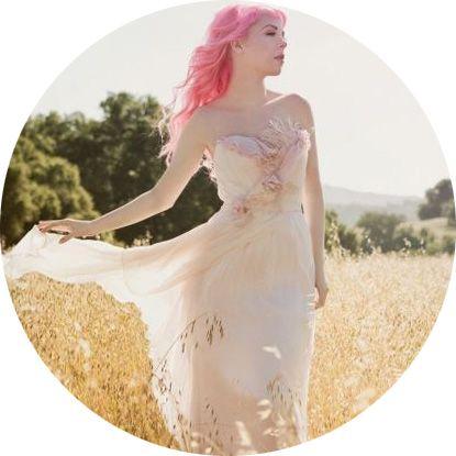 Необычные элементы на свадебном платье