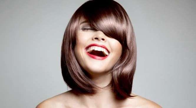 pricheski-na-kazhdyj-den-svoimi-rukami-1-1 Красивые стрижки на средние волосы 2019-2020, фото, идеи стрижки на средние волосы