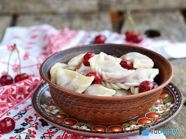 рецепт сладких вареников с вишней