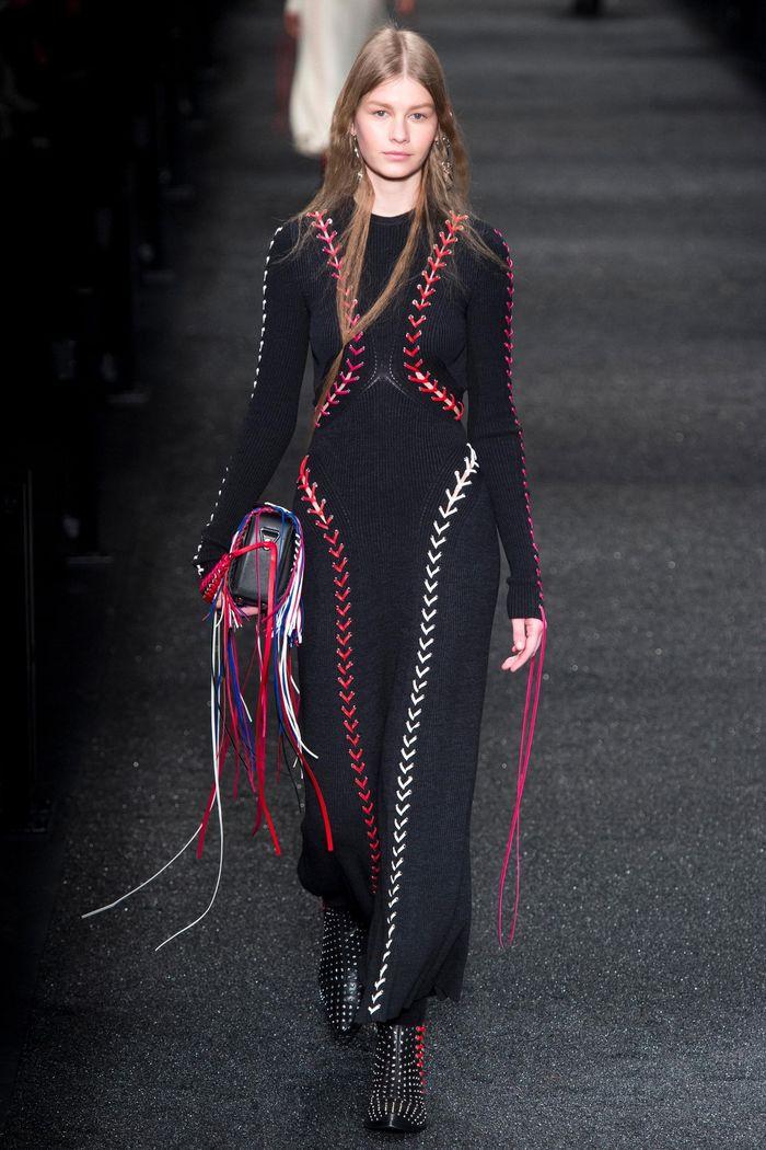Модные платья осень-зима Alexander McQueen