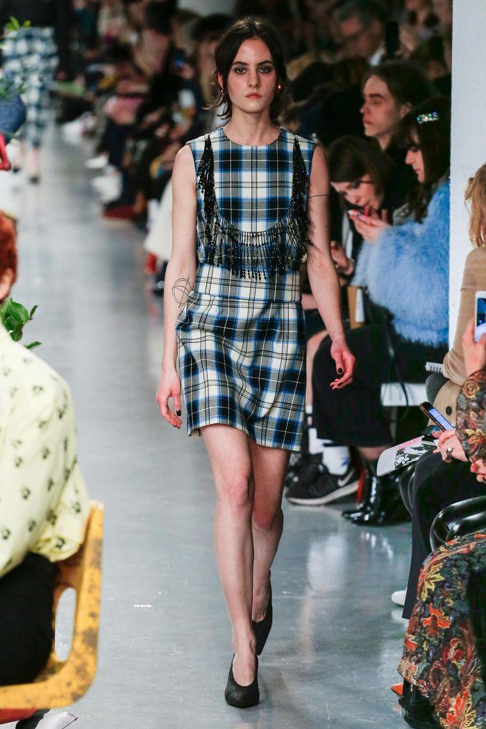 Модные платья осень-зима Ashley Williams