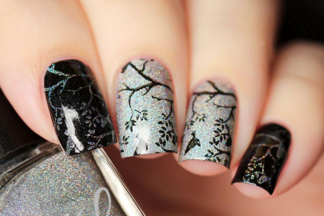 Ногти гель-лаком с красивым стемпингом