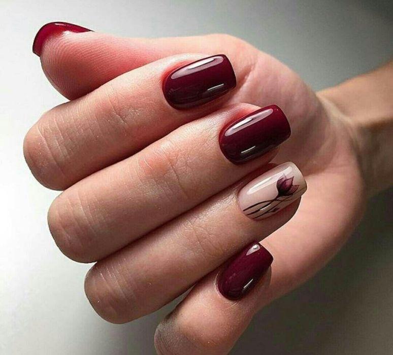 Цветы - веточки гель-лаком на ногтях