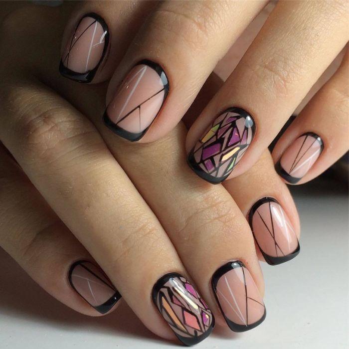 Дизайн битое стекло гель-лаком на прозрачных ногтях