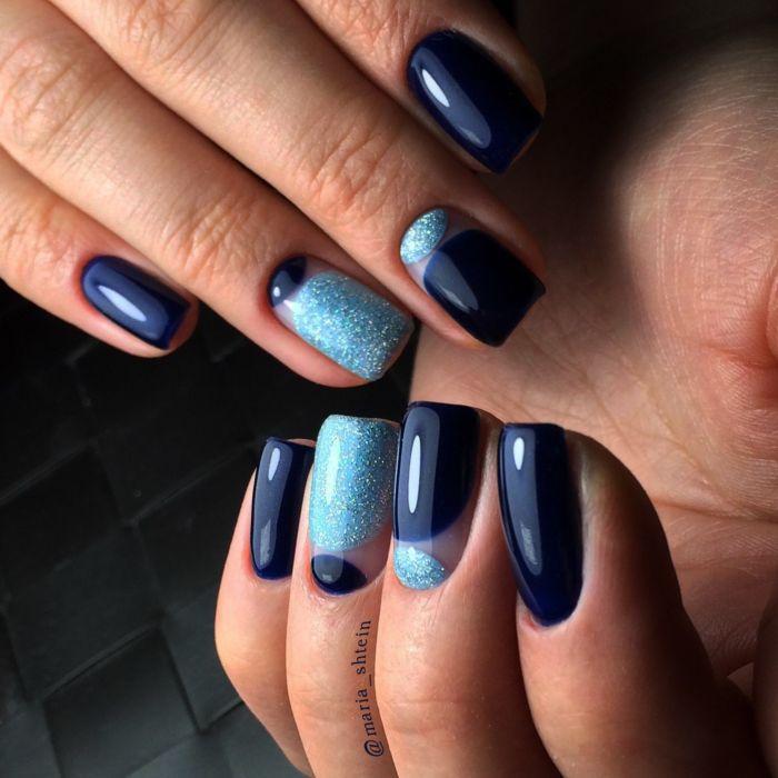 Лунный маникюр с блестками на ногтях