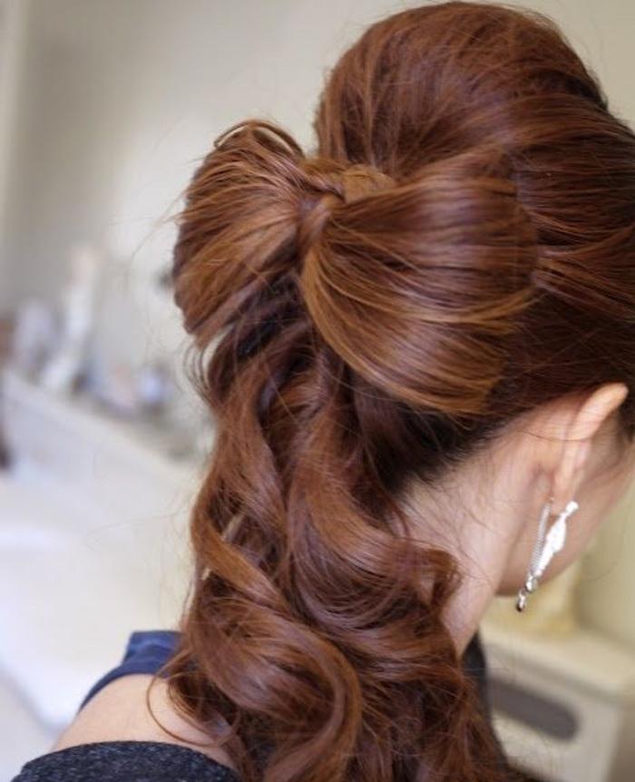 Прическа с бантом из длинных волос
