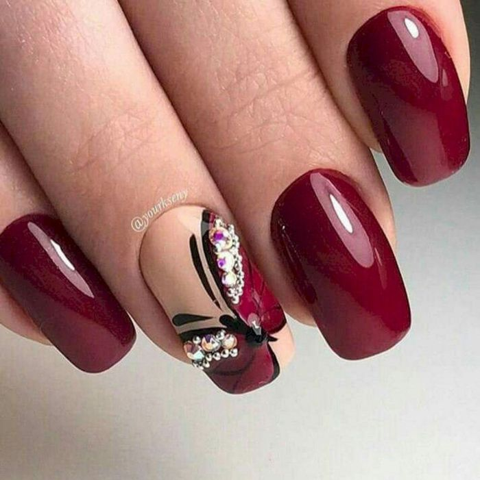 Дизайн ногтей гель лак бордо