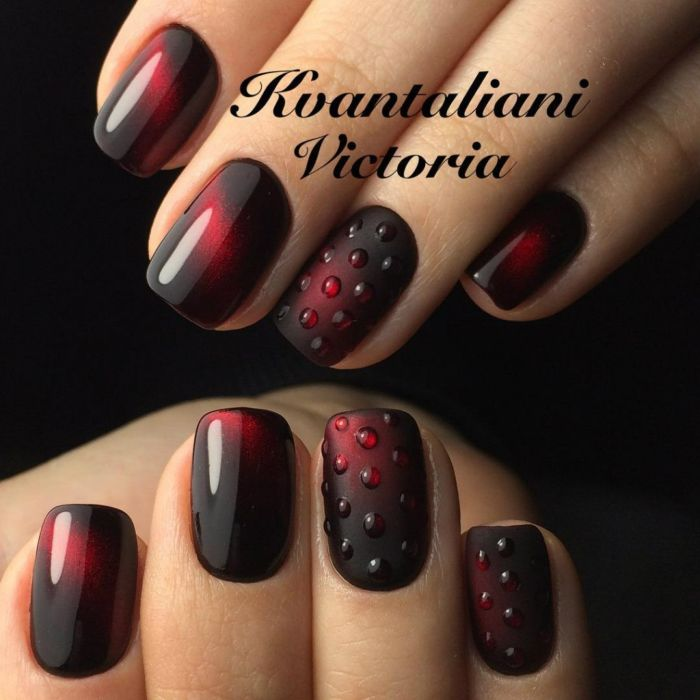 Маникюр бордовый с черный