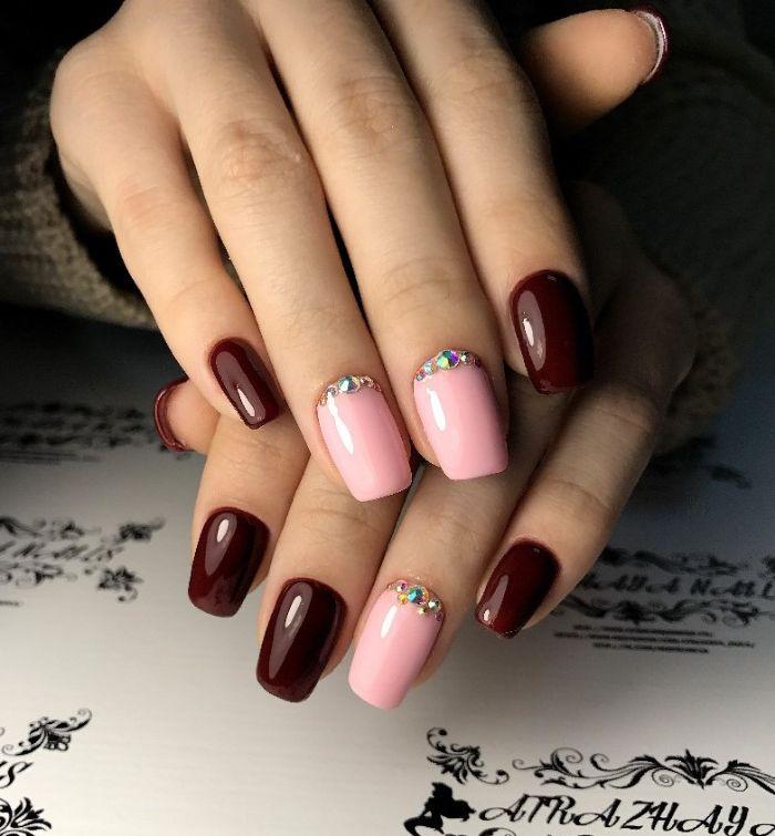 Бордовый маникюр с розовым гель-лаком
