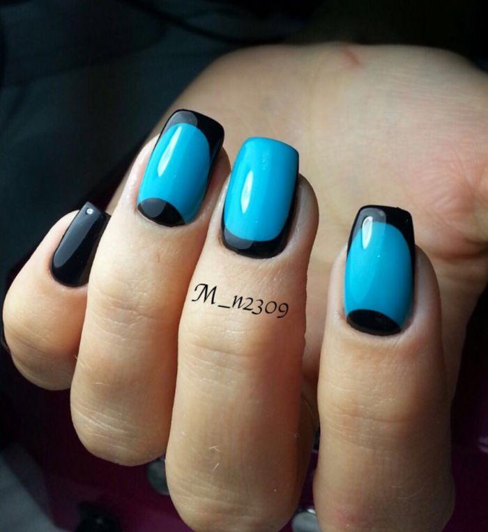 Черно-голубой маникюр