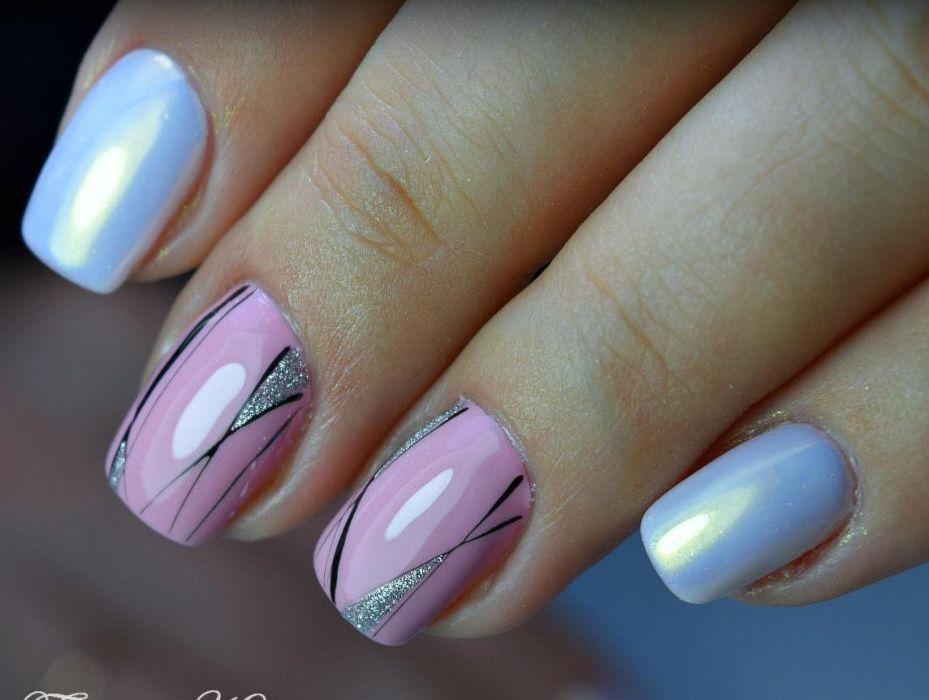 Розово-голубой маникюр
