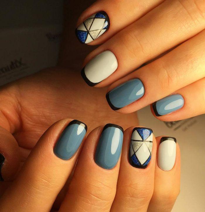 Французский голубой маникюр (френч)
