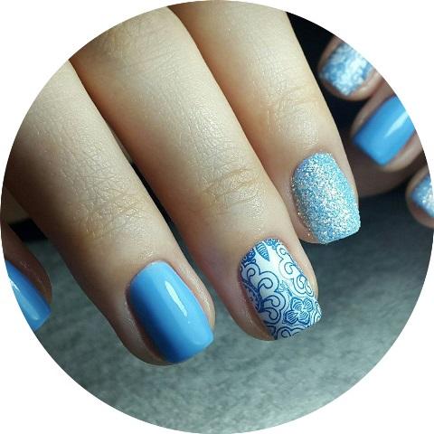 Голубой маникюр, фото