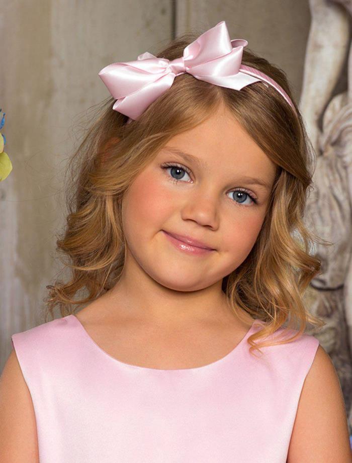 Прическа для самых маленьких девочек на короткие волосы