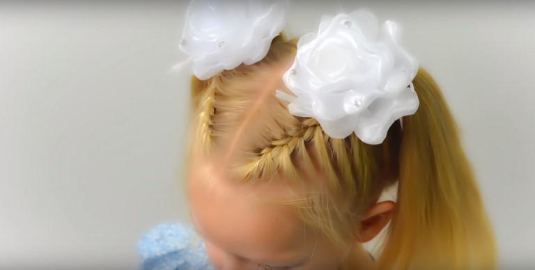 Прическа на 1 сентября для девочки с цветами