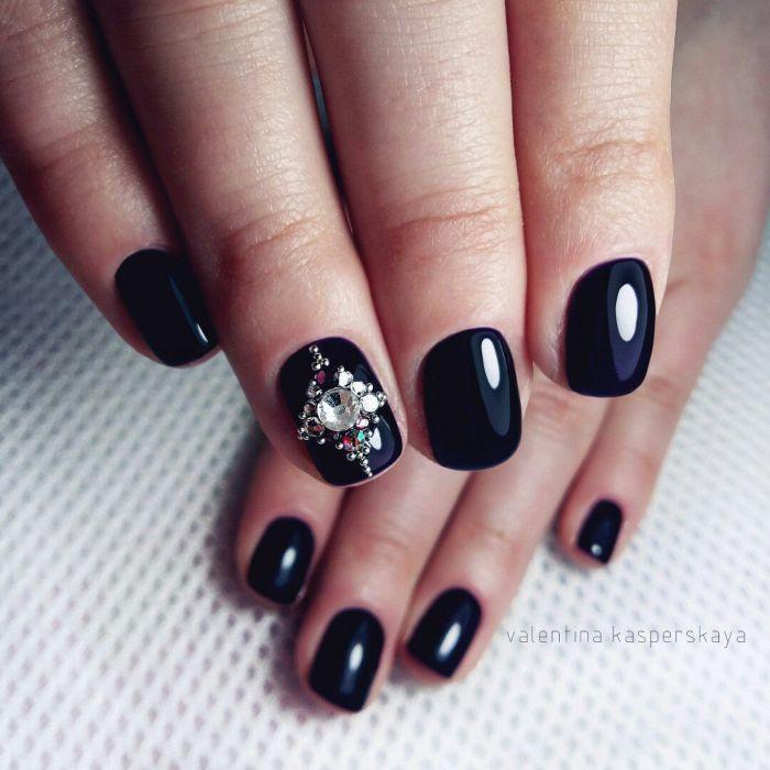Маникюр черного цвета