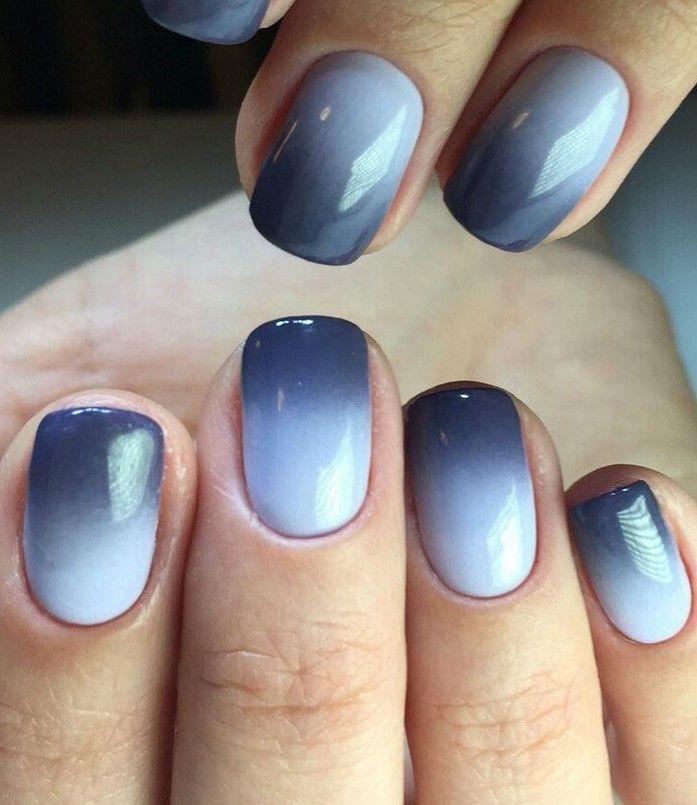 Серый градиент на ногтях