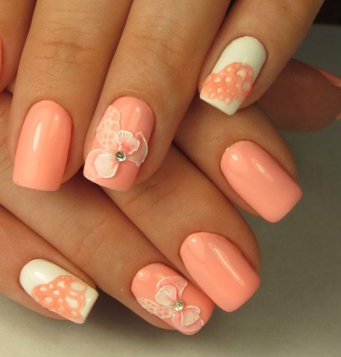 Маникюр в персиковом цвете