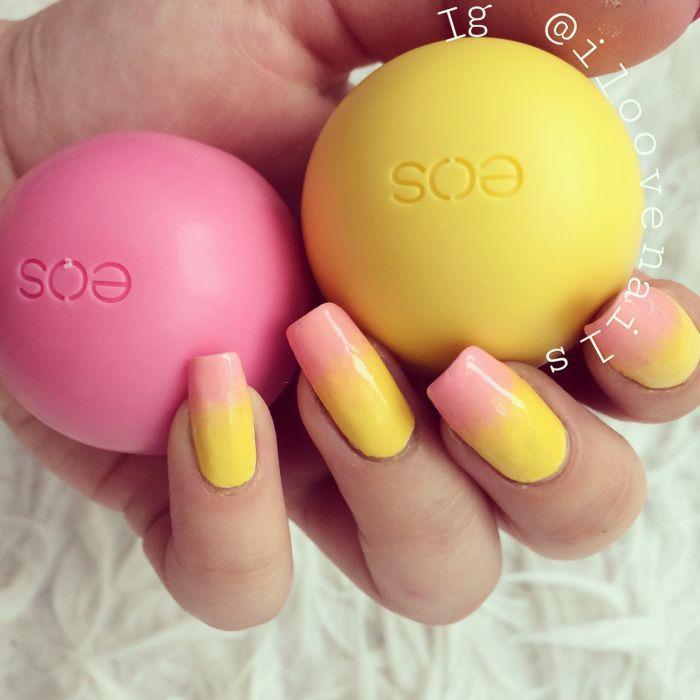 Желто-розовый градиент на ногтях