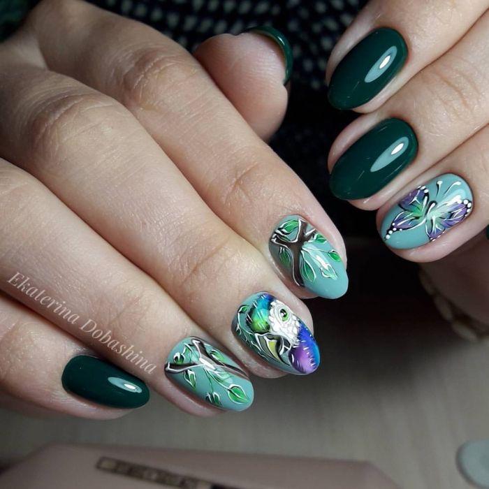 Зелено-голубой маникюр