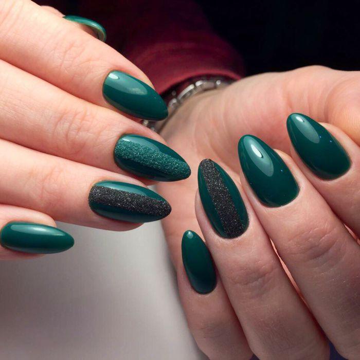 Черно-зеленый маникюр