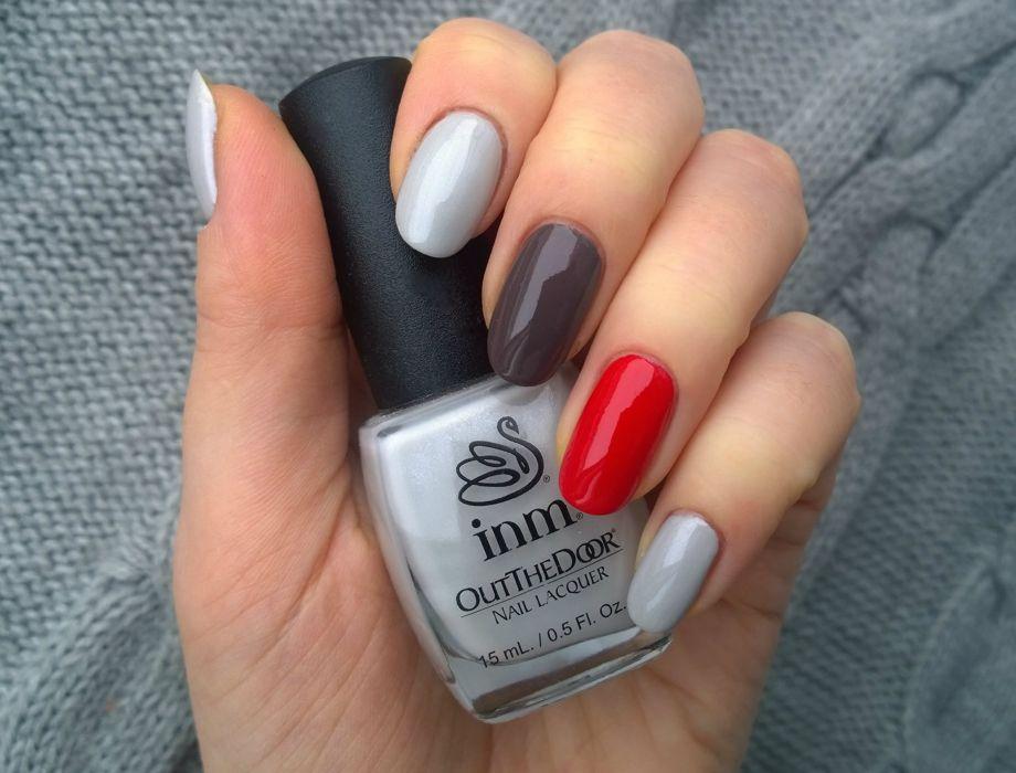 Маникюр серый с красным