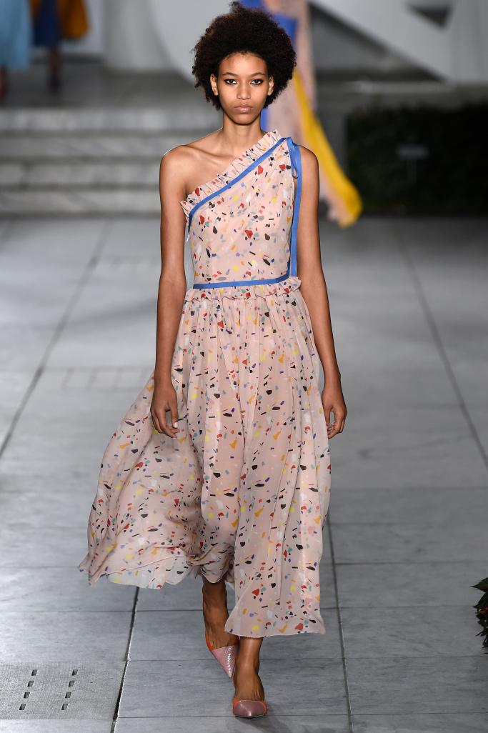Модные платья из коллекции Carolina Herrera, лето 2018