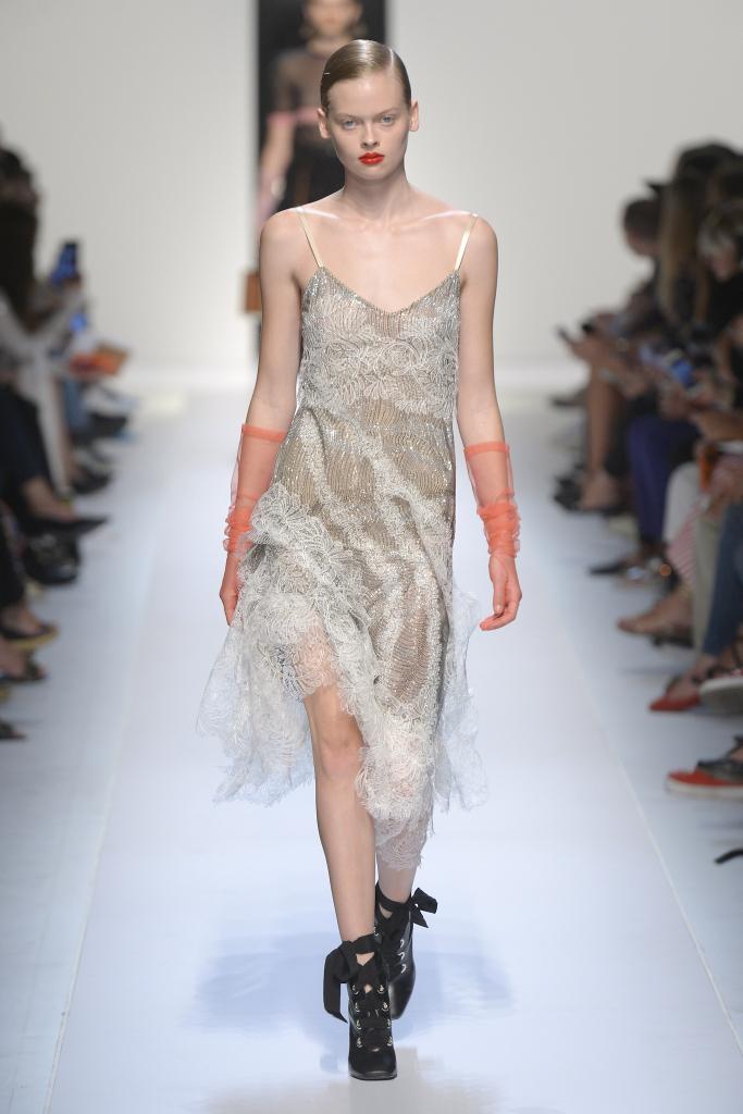 Модные платья 2018: бельевой стиль, коллекция Ermanno Scervino