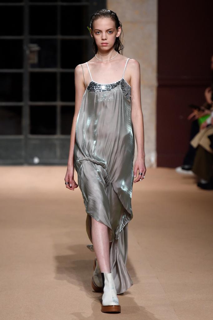 Модные платья 2018: бельевой стиль