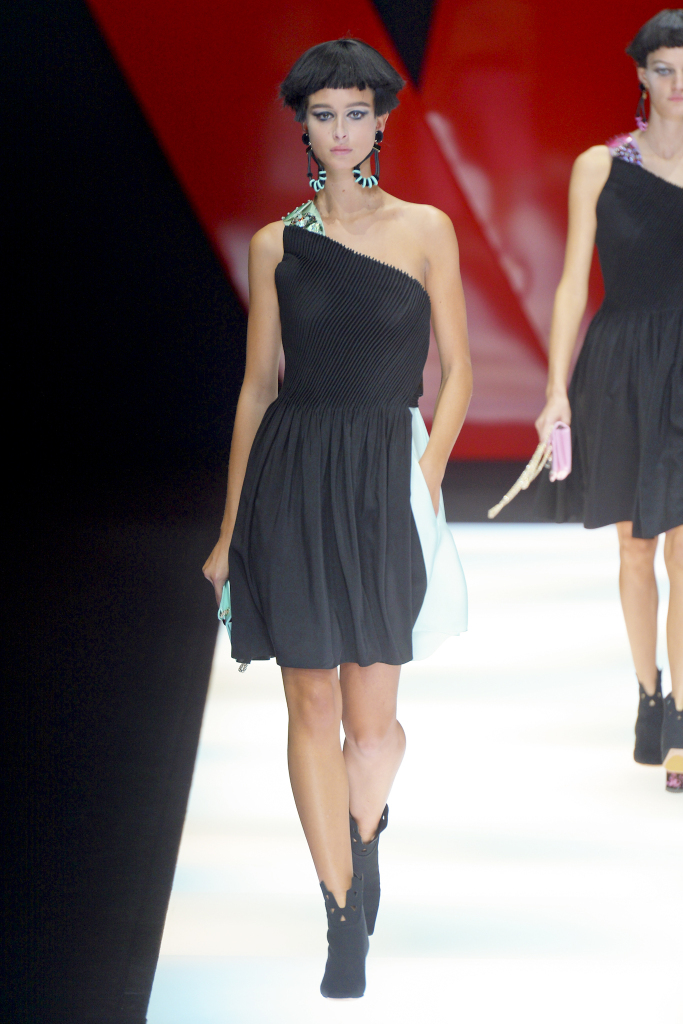 Модные платья Giorgio Armani