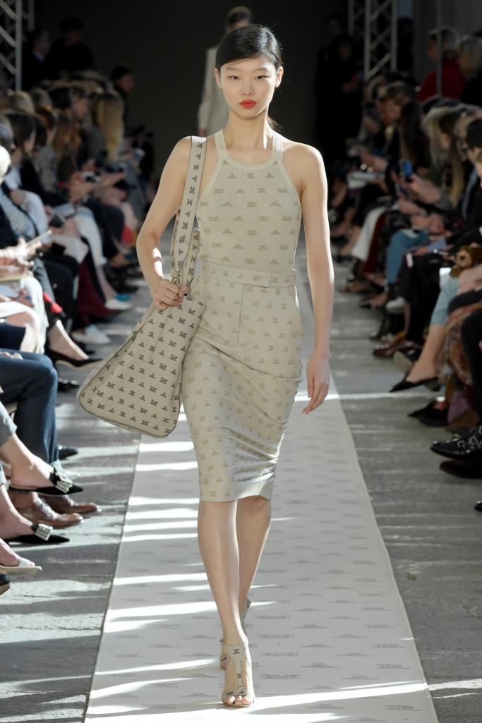 Модные платья из коллекции Max Mara