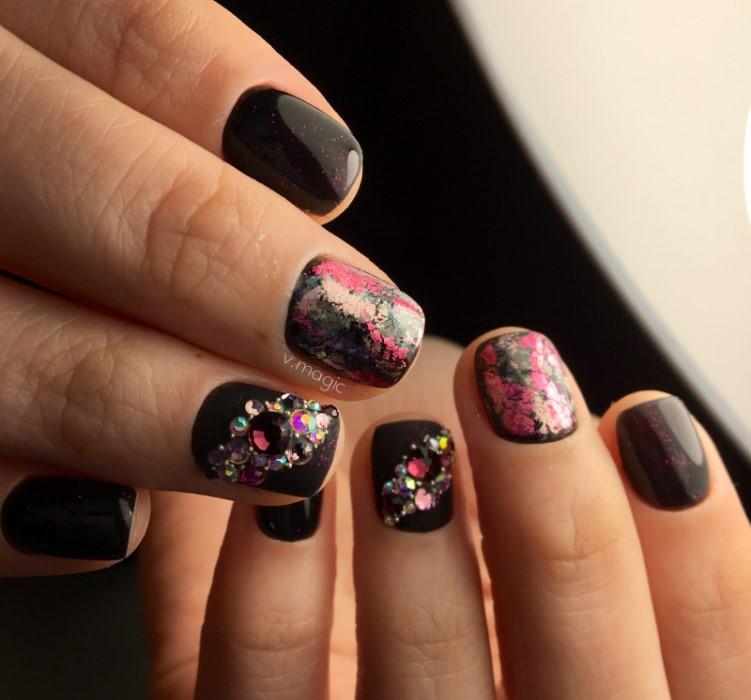 Черный дизайн ногтей, фото