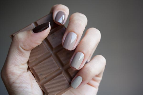 Шоколадный маникюр, фото