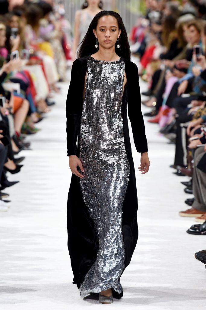 Длинное платье с паетками из коллекции Valentino